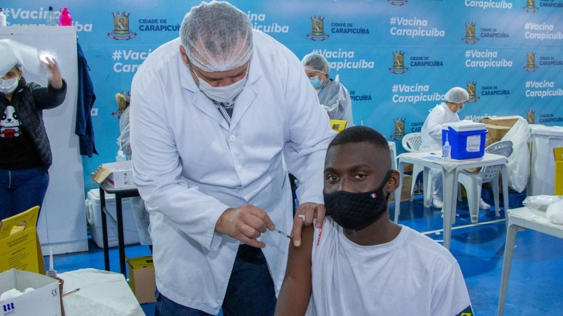 Prefeitura de Carapicuíba inicia vacinação de 16 e 17 anos com comorbidades