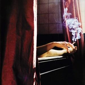 pixabay pic of girl smoking in bath