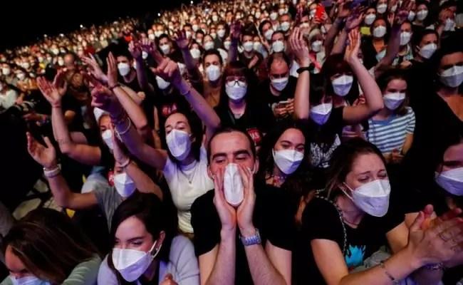 Evento teste com 5 mil pessoas teve apenas 6 infectados com covid. Veja os protocolos adotados