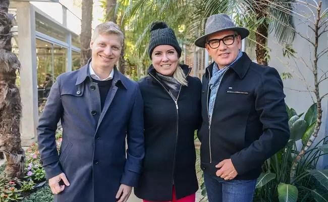 Paula Mourão e  Marcel van Hattem visitam a sede da Jorge Bischoff