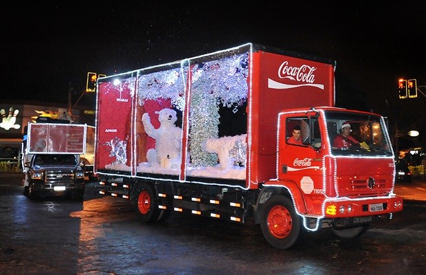 Caravana Iluminada da Coca-Cola Femsa vai passar por Jundiaí dia 10/12