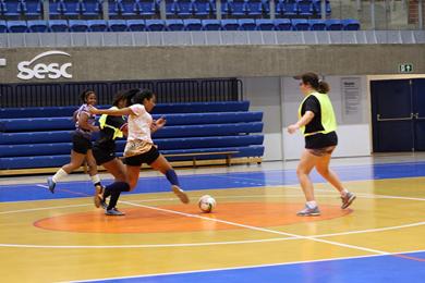 Fórum Futebol Feminino: Jogando em Rede