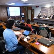 Foto da apresentação do relatório pelo IFI