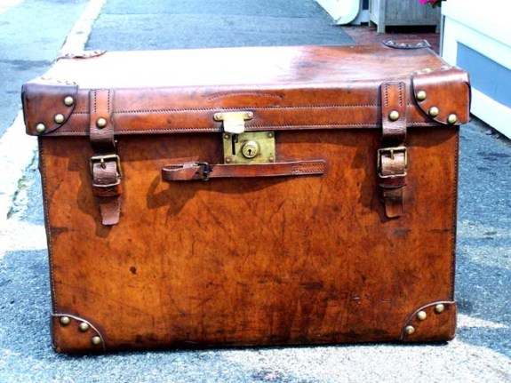 Late 19th century English Leather Officer's Boot Trunk circa 1875