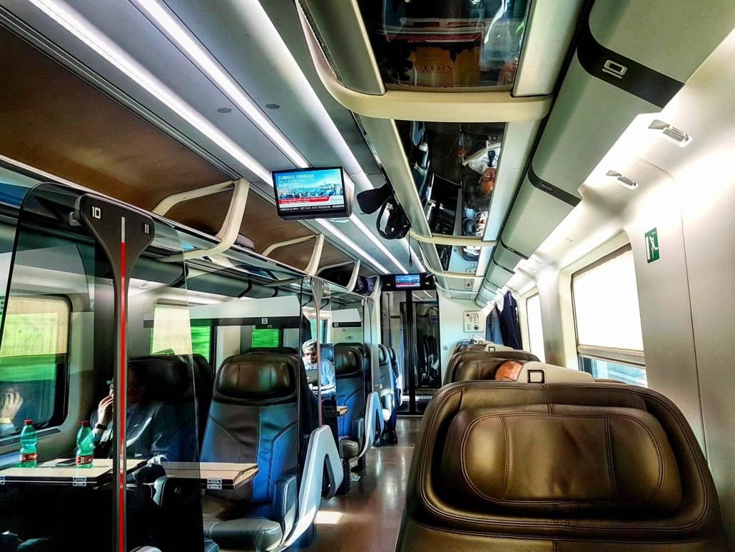 Viagens de Trem pela Europa - Interior do trem