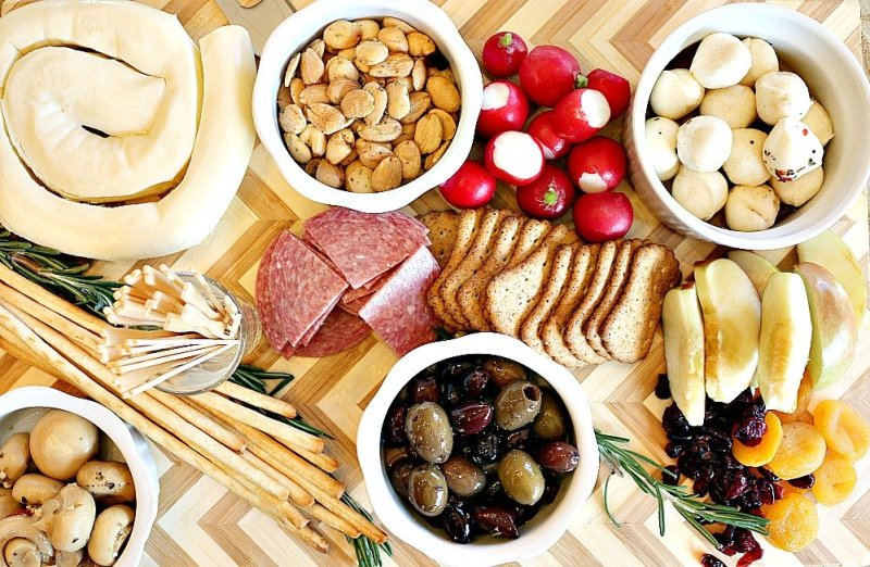Crave Brothers Cheese Holiday Antipasto