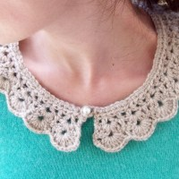 the pearl button crochet collar