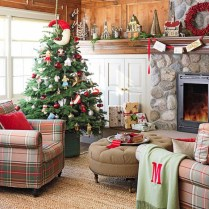 cottage-christmas-decorating-ezjsnf5a