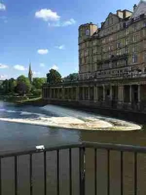 walk along the river in Bath