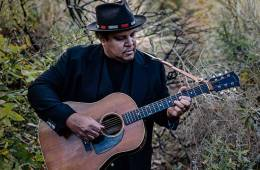 Acoustic guitarist and songwriter Chris Pierce