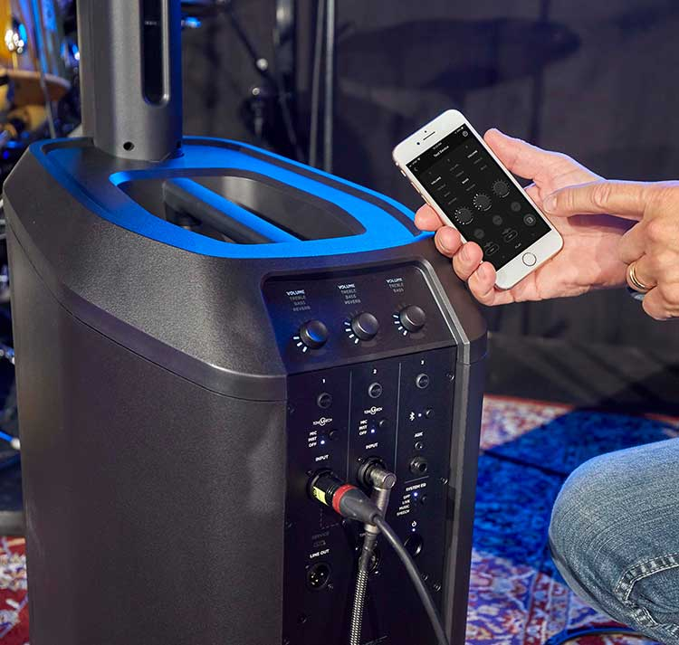 Bose L1 Pro subwoofer and smart phone using mix app onstage