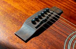 acoustic guitar saddle and bridge