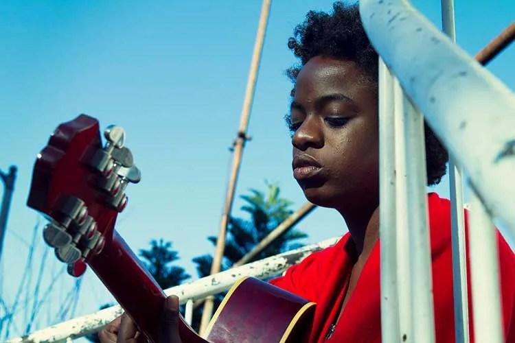 Guitarist and singer/songwriter Sunny War