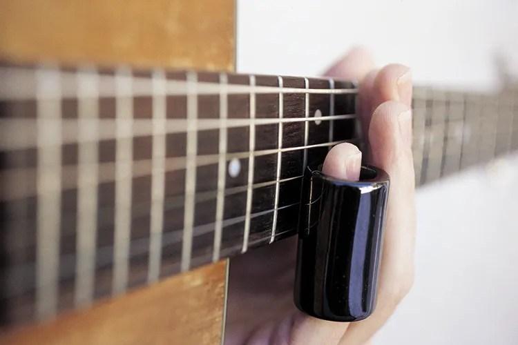 how to play slide guitar bottleneck basics acoustic guitar. Black Bedroom Furniture Sets. Home Design Ideas