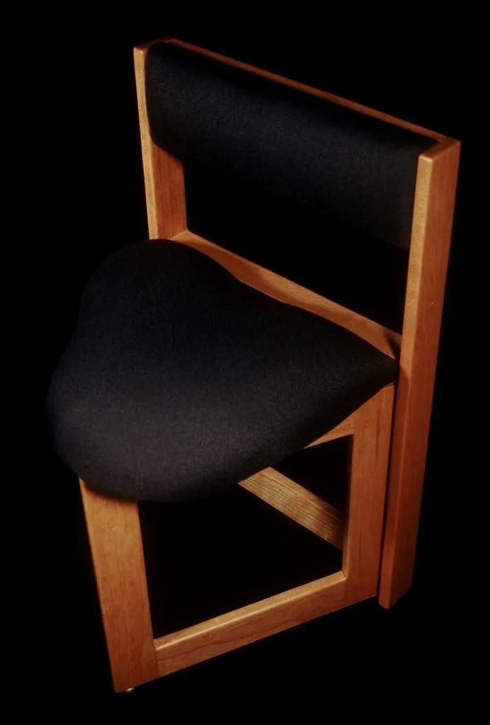 AD16 Orig Guitar Chair cherrytopblack