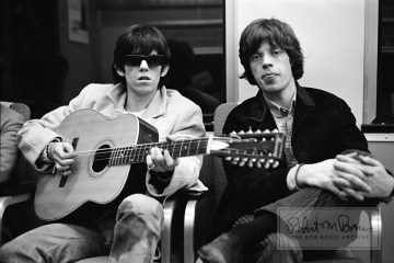 mick jagger keith richards rolling stones acoustic guitar