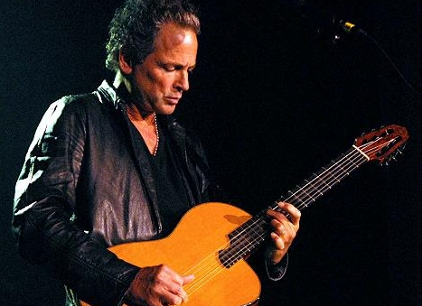 Throwback Thursday: Lindsey Buckingham Plays His Fleetwood Mac Hit