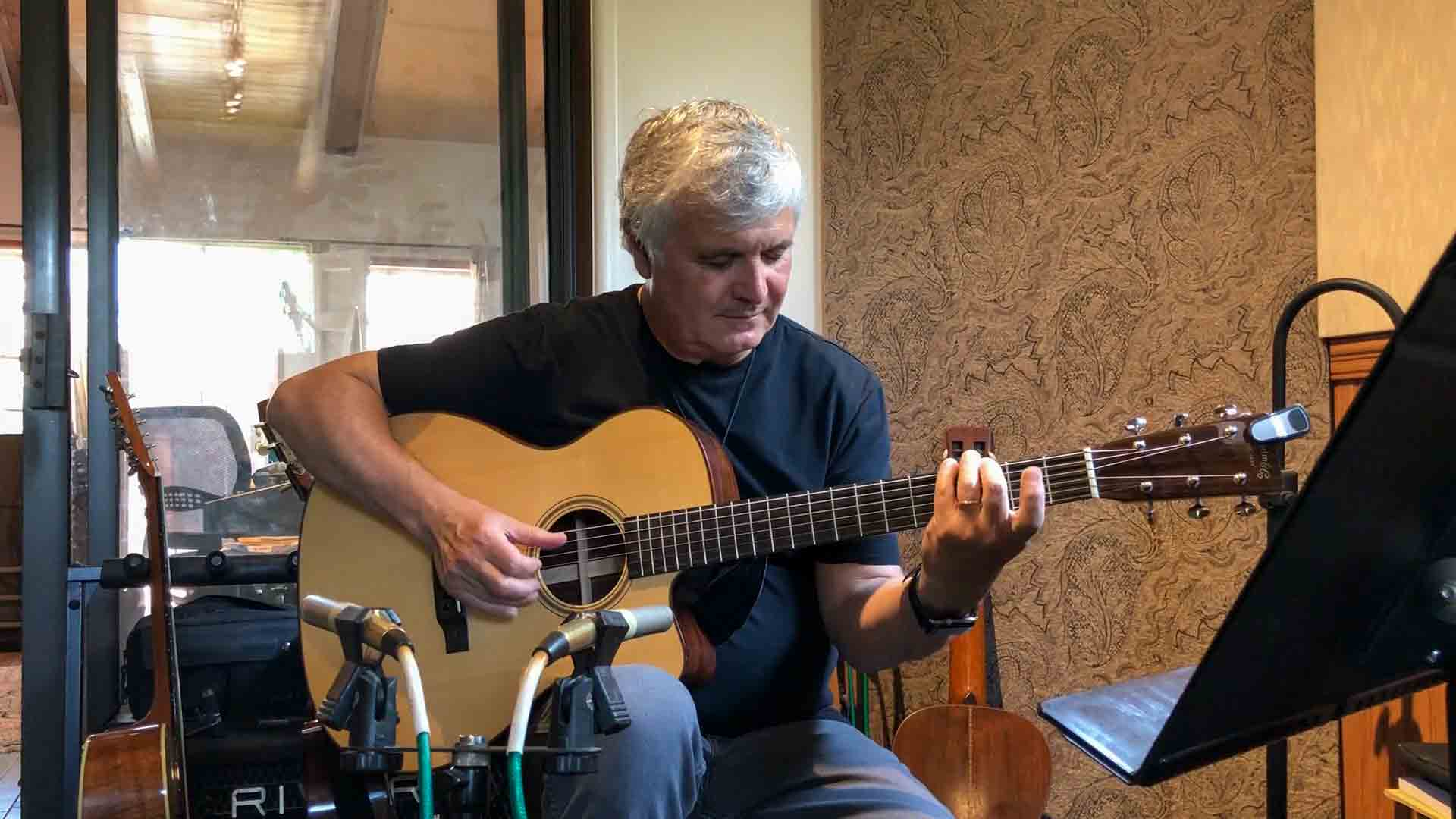 laurence juber performs his solo acoustic arrangement of the beatles day tripper acoustic. Black Bedroom Furniture Sets. Home Design Ideas