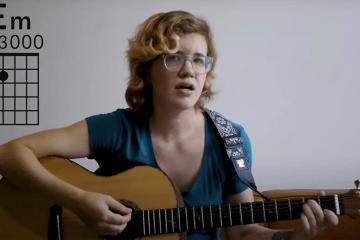 Kate Koenig teaching the E minor chord