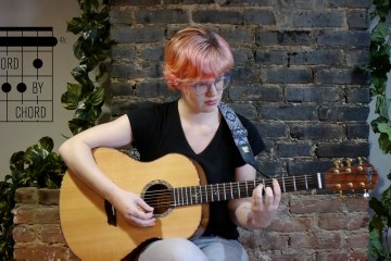 kate koenig teaches c sharp minor chord by chord