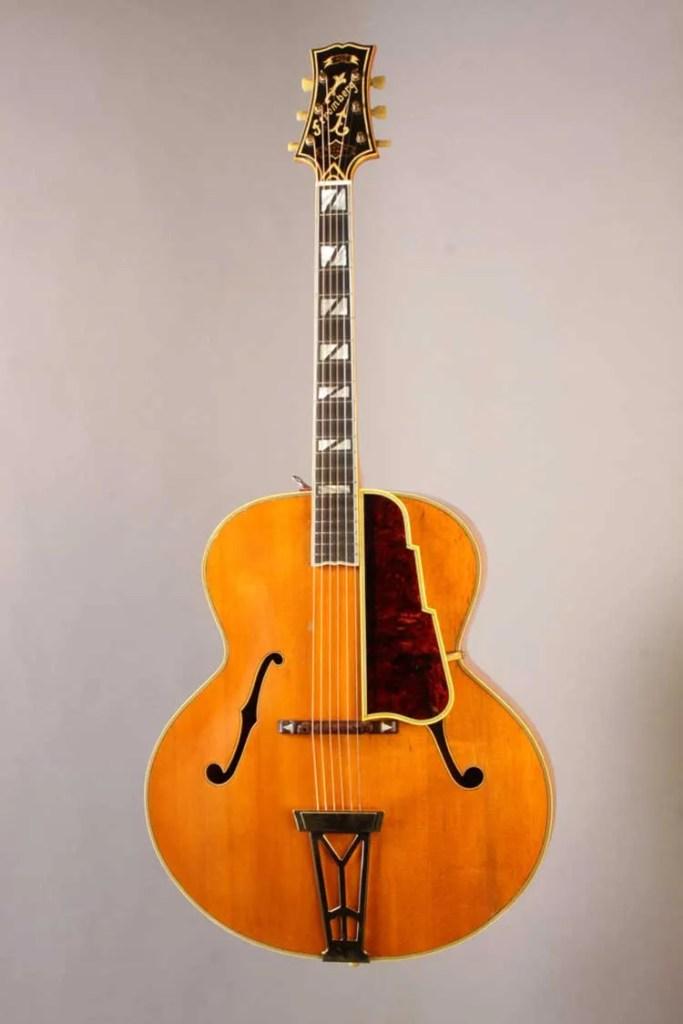 1947-Stromberg-Master-400-front-photo_Gruhn_Guitars