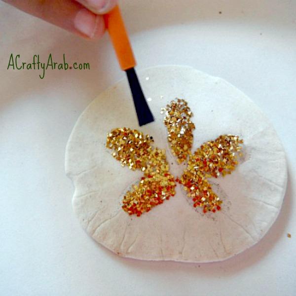 ACraftyArab Glittered Seashell Tutorial