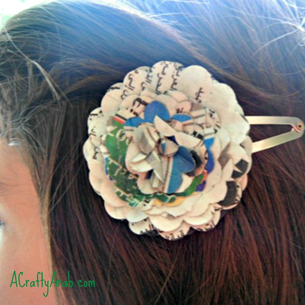 ACraftyArab Arabic Newspaper Hairclip Tutorial