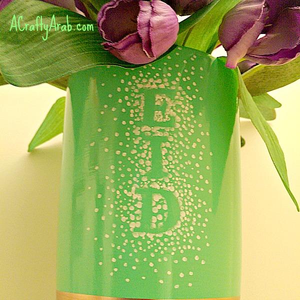 ACraftyArab Sharpie Dot Vase Tutorial