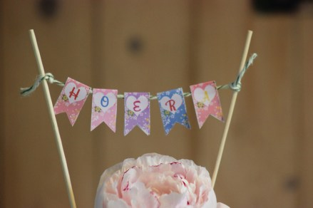 WATERCOLOR MAGNOLIA CAKE TOPPER BUNTING FREEBIE