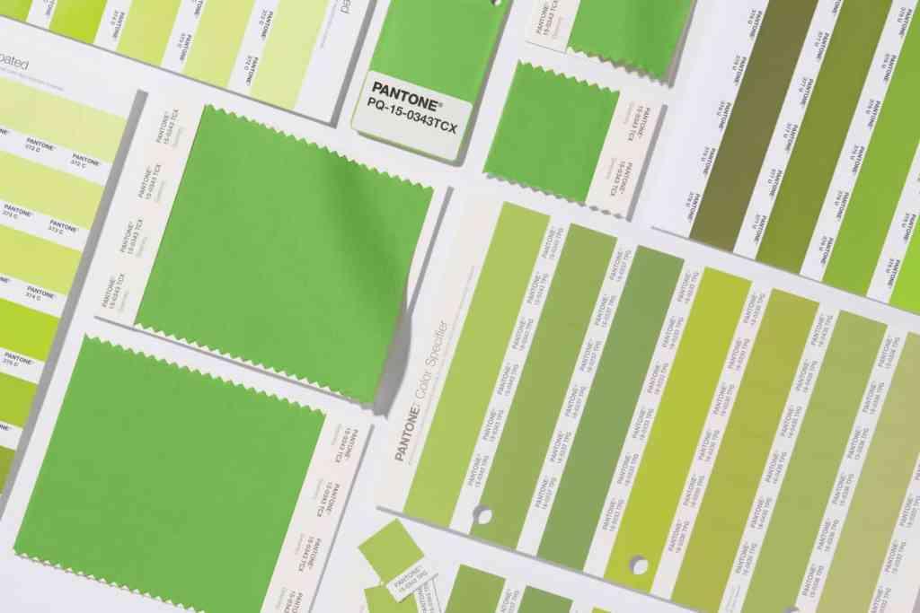 Grid completo Pantone® Greenery é a cor do ano de 2017 - AcrediteCo