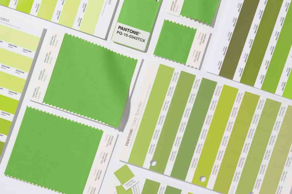 Grid completo Pantone® Greenery é a cor do ano de 2017 - AcrediteCo