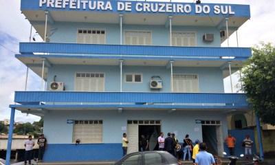 Prefeito de Cruzeiro do Sul exonera quase 200 comissionados no interior do Acre — Foto: Gledson Albano/Rede Amazônica Acre