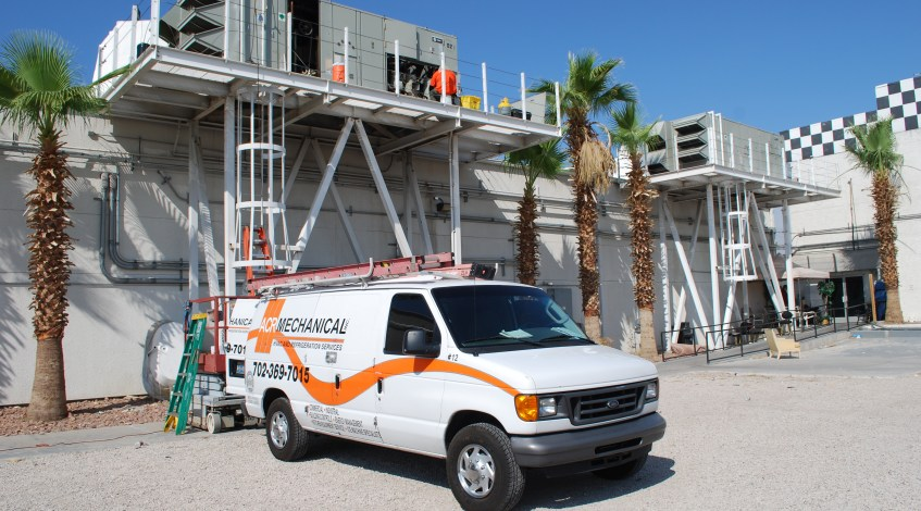 ACR Mechanical Service Technician and work van in Las Vegas