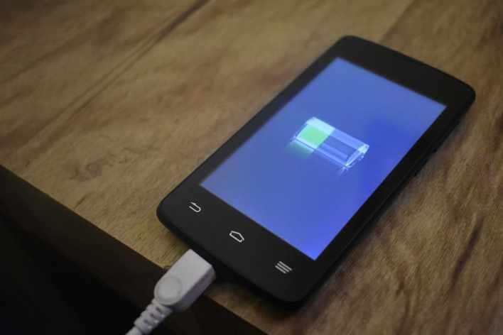 Подзарядка смартфона android