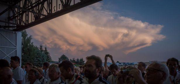Wolkenkullisse bei der Siegerehrung - Copyright: Ruda Jung