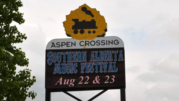 Aspen Crossing Entrance Sign