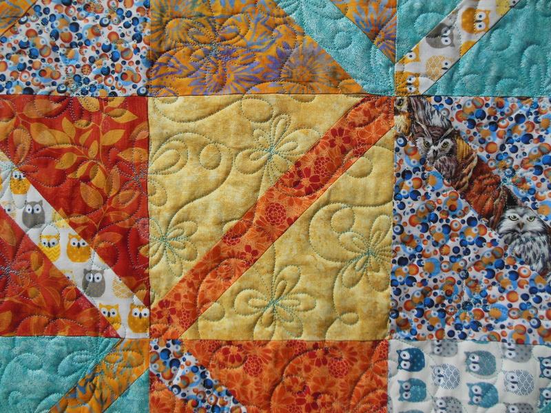 Acropatch-Motif-Matelassage-DAISY-Plaid-Diagonales-détails-quiltage-fil-uni-turquoise