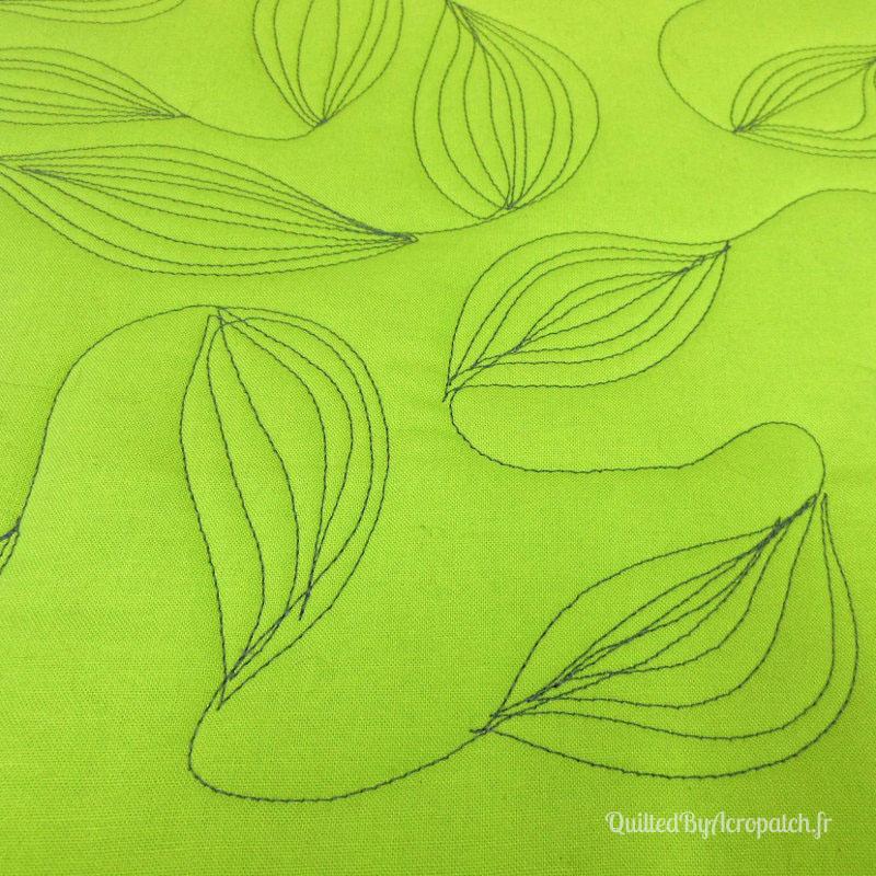 Acropatch-Motif-Quilting-FEUILLE-Sampler-fil-uni-gris (5)