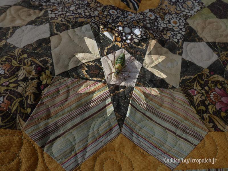 Acropatch-couvre-lit-Passacaglia-Motif-Quilting-Doubles boucles-fil-uni-vert kaki-invitée surprise
