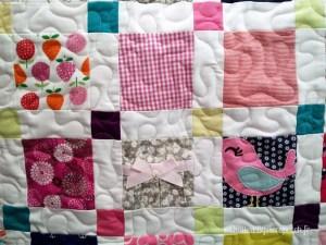 Couvre-lit-Motif-Quilting-Puzzle-fil-dégradé-rose-détails