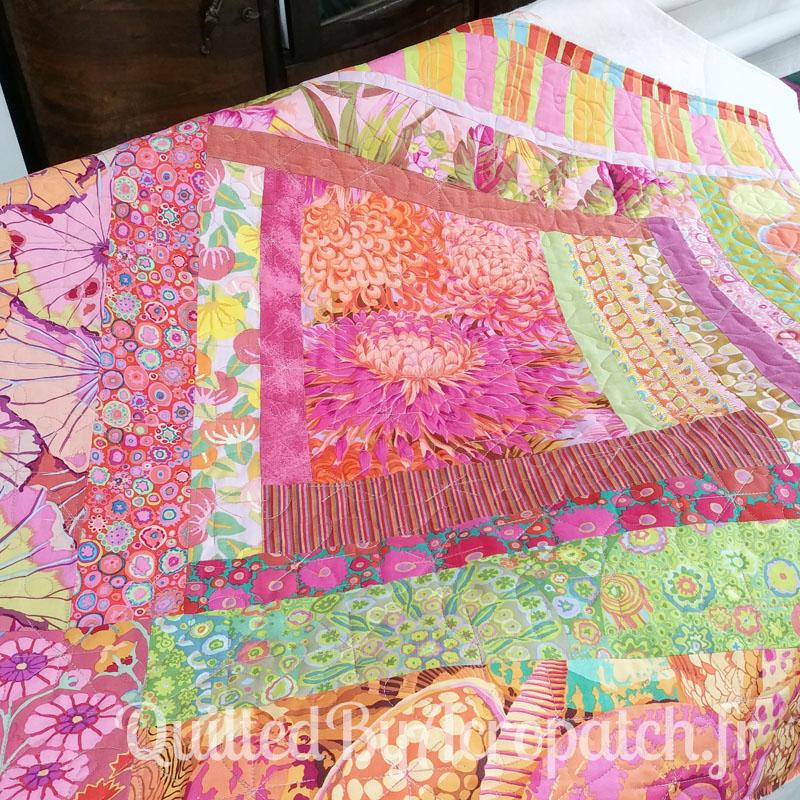 Centre-de-table-Peps-Motif-Quilting-Etoile_filante-fil-multicolore-après le quiltage