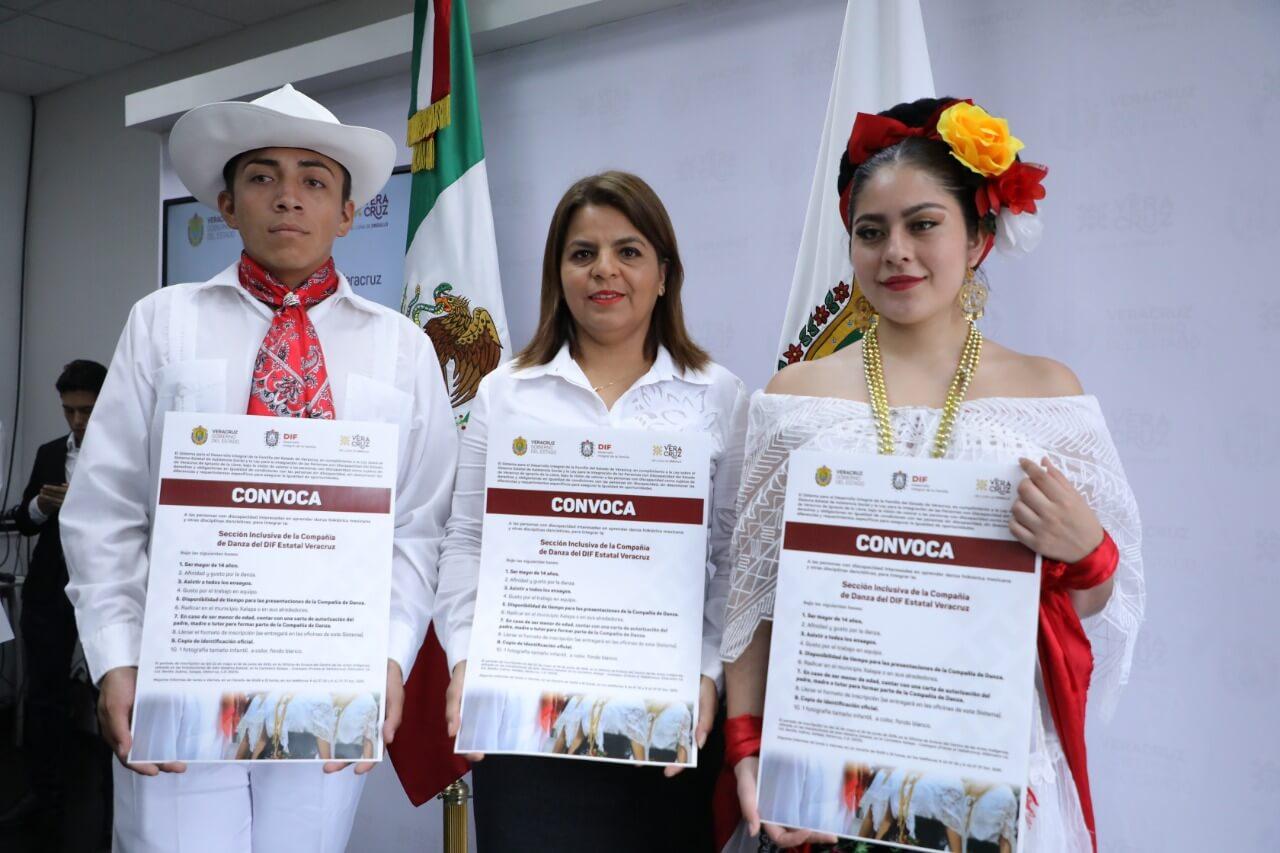 El Sistema para el Desarrollo Integral de la Familia (DIF) de Veracruz presentó la convocatoria para la conformación de la sección inclusiva de la Compañía de Danza, la cual tiene como finalidad, promover la participación de personas con discapacidad, interesadas en aprender danza folclórica mexicana.
