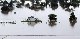 Las calles de Nueva Orleans amanecieron inundadas el domingo debido a torrenciales aguaceros que afectaron al sur de Estados Unidos.
