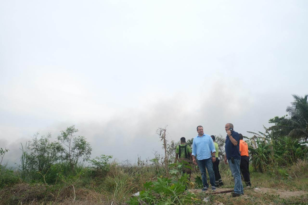El presidente de Boca del Río, Humberto Morelli informó que el incendio registrado por la Carretera Veracruz-Medellín cerca del fraccionamiento Las Vegas, fue controlado en un 70%.