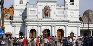 Las iglesias católicas en Sri Lanka reabrieron sus puertas este domingo, tras los ataques del pasado 21 de abril contra varios hoteles de lujo, zonas residenciales y templos.