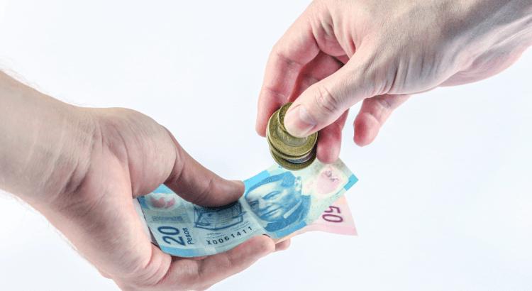 Secretaría del Trabajo defiende aumento a salarios mínimos