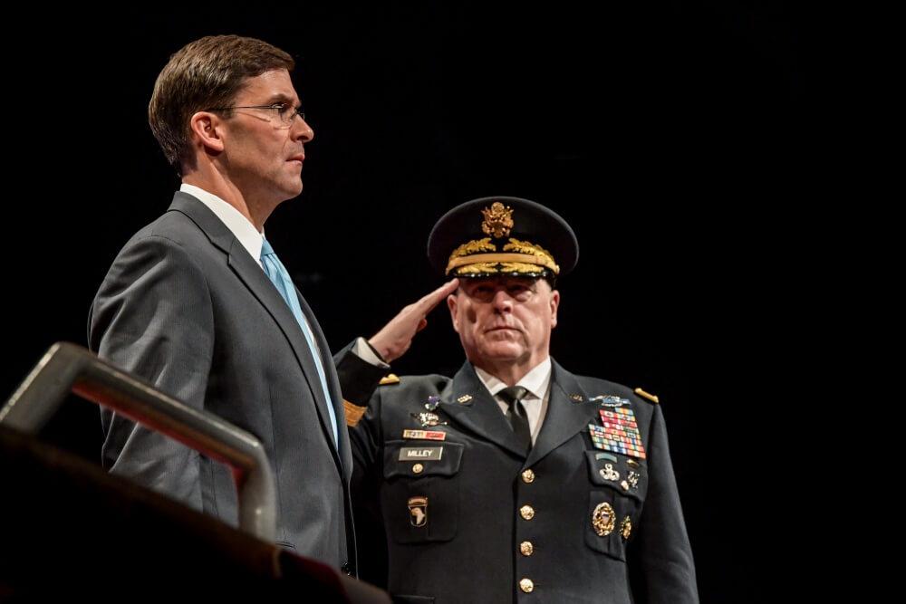 Este lunes, Mark T. Esper asumió al cargo de secretario de Defensa en funciones de sustitución de Patrick Shanahan, que la semana pasada anunció su renuncia antes de ser confirmado.
