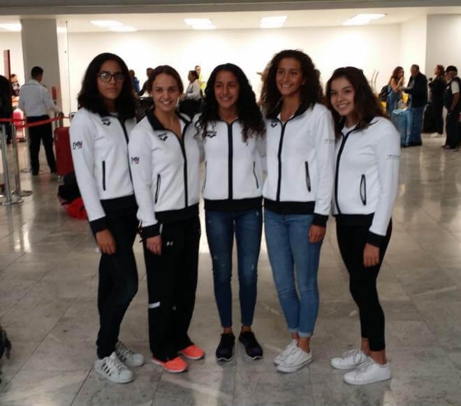 La nadadora veracruzana Susana Hernández Barradas viajó este lunes con la selección mexicana a una gira europea previa a su participación en el Mundial Juvenil de Natación a celebrarse en Hungria.