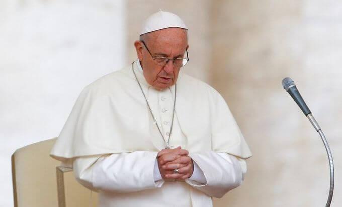 El Vaticano dio a conocer un documento donde rechaza la idea de que la gente puede elegir o cambiar su género.