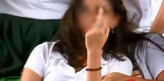 Durante la entrega de becas integrales para el Bienestar en Merida Yucatán, una menor de edad realizó una seña obscena hacia el presidente, Andrés Manuel López Obrador.
